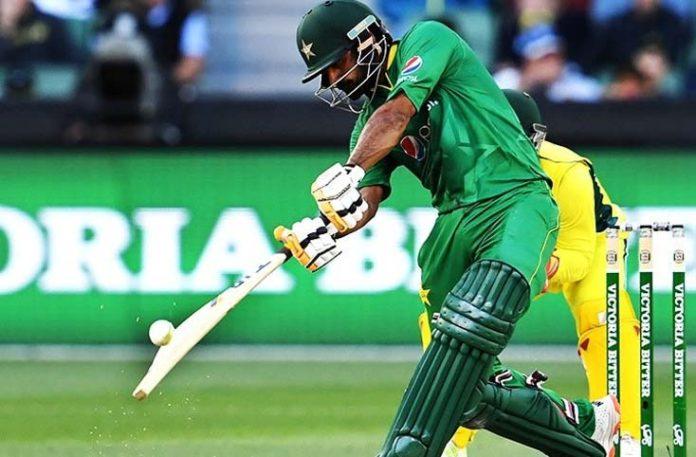 Pakistan should keep putting pressure on Aussie Cricket Team