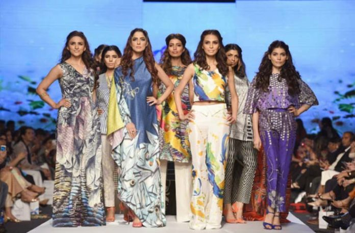 fashion week Pakistan cut to two days