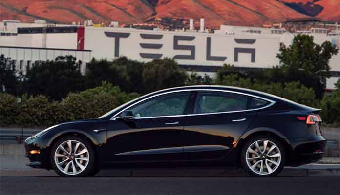 Model 3 of Tesla Motors Unveils First Looks