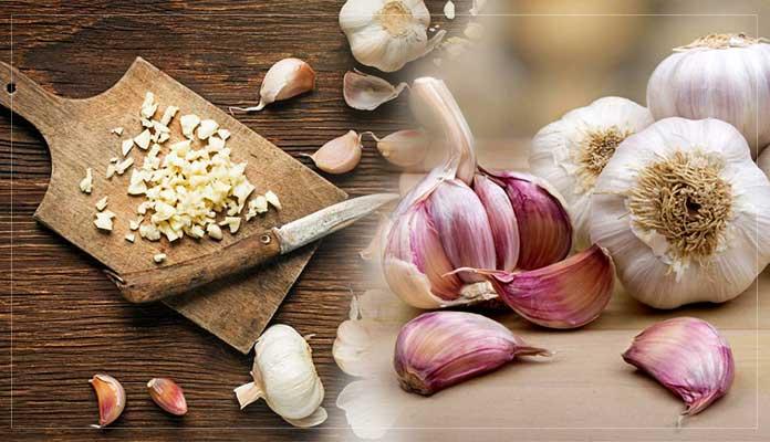 Eating Raw Garlic