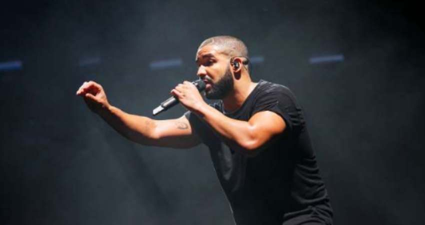 Drake got booed